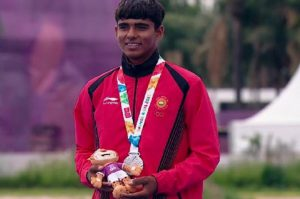 sports akash won silver medal