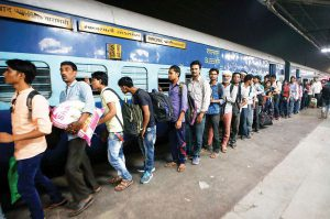 Gujarat Congress, BJP trade charges as migrants flee