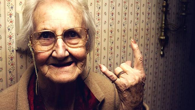 people becaming old earlier
